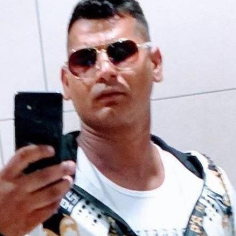 Ernő, 33 éves társkereső férfi -