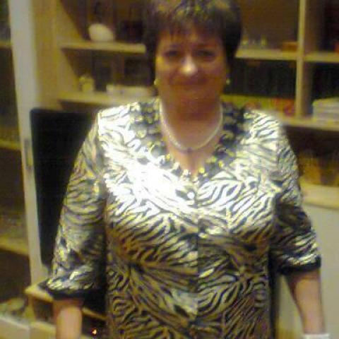 Tünde, 58 éves társkereső nő - Miskolc