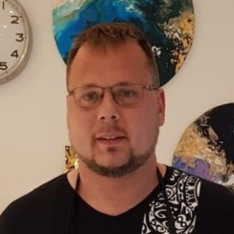 Krisztián, 37 éves társkereső férfi - Dunaújváros