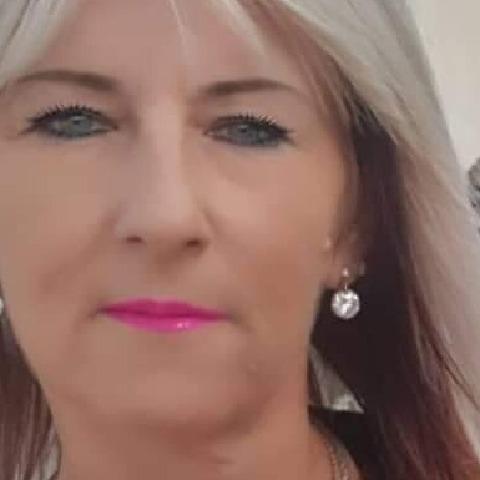 Erzsebet, 53 éves társkereső nő -