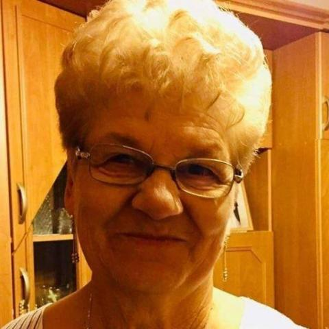 Gyuláné, 68 éves társkereső nő - Miskolc