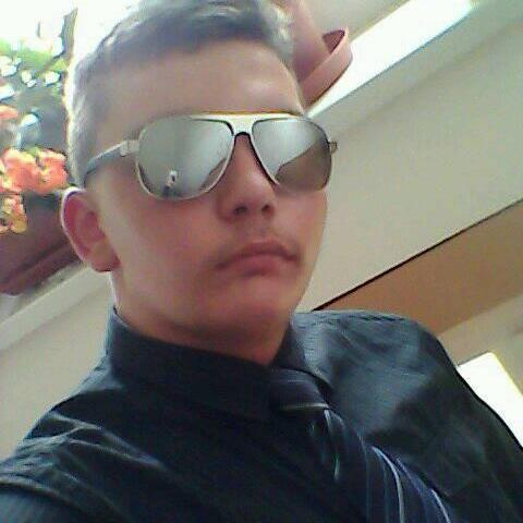 Tomi, 18 éves társkereső férfi - Dunaföldvár