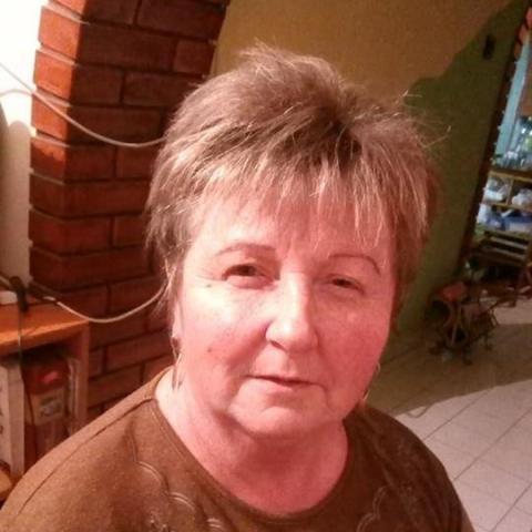 55 éves nő keres férfit)