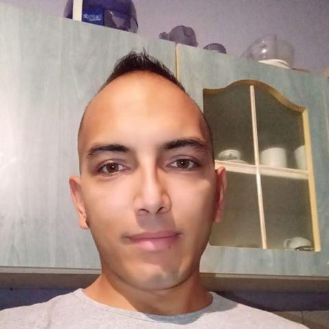 Róbert, 28 éves társkereső férfi - Borsodnádasd