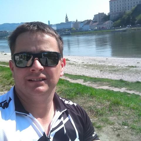 Levi, 42 éves társkereső férfi - Linz