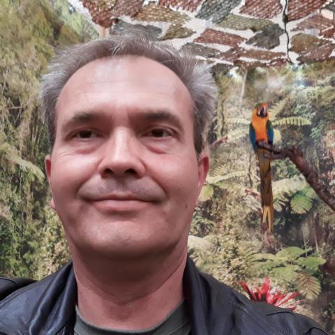 társkereső férfi albi tárgyaló klub egyetlen egységes