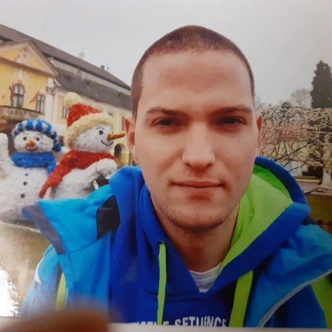 János, 19 éves társkereső férfi - Esztergom