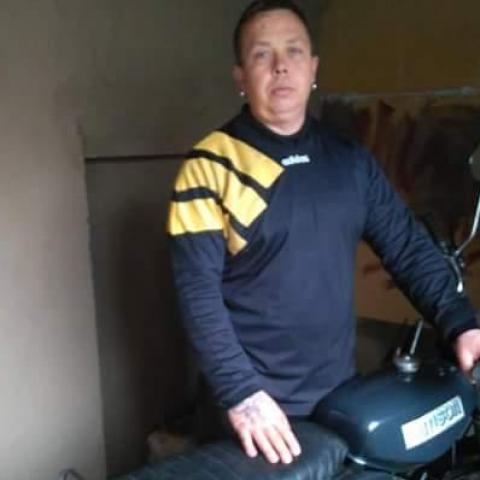 Robert, 45 éves társkereső férfi - Kótaj