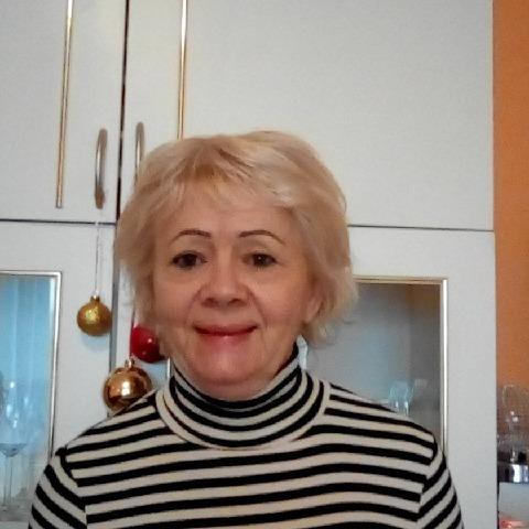 Zsuzsanna, 66 éves társkereső nő - Dunaújváros