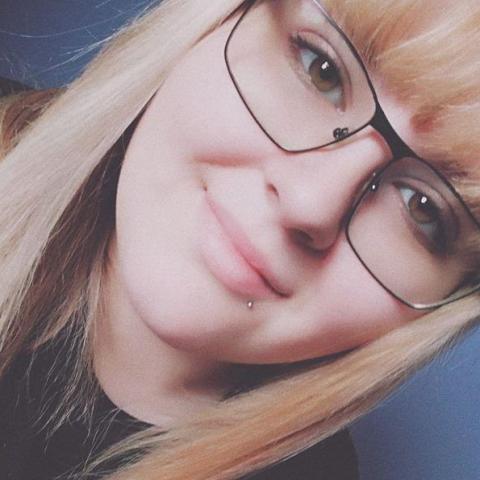 Viktória, 20 éves társkereső nő - Szekszárd