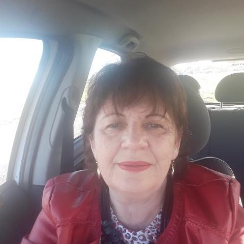 Csilla, 63 éves társkereső nő - Kalocsa