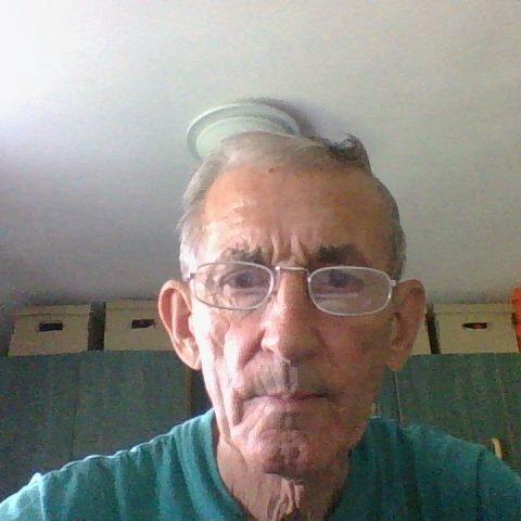 Károly, 74 éves társkereső férfi - Becsehely