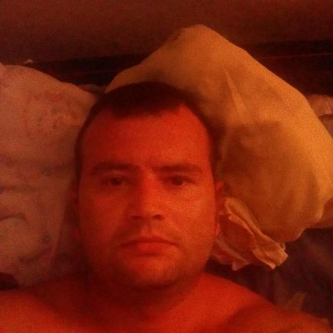 Zoli Olivér, 35 éves társkereső férfi - Békés