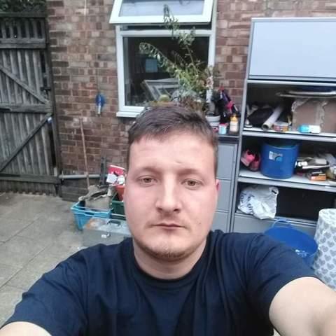 Robert, 28 éves társkereső férfi - Szatmárnémeti