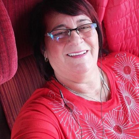 Julianna, 60 éves társkereső nő - Sarkad