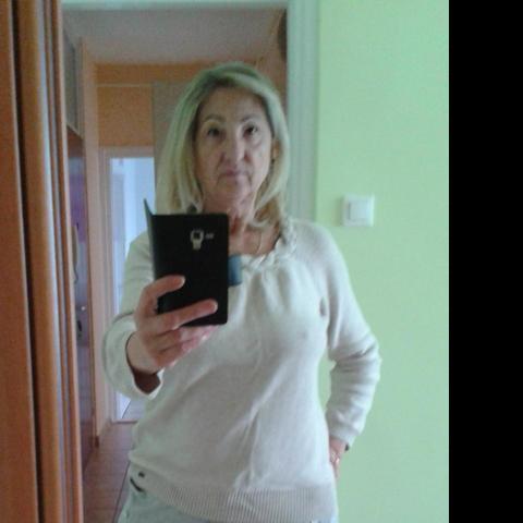 Zsuzsi, 70 éves társkereső nő - Szekszárd