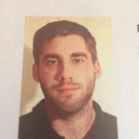 Ádám, 26 éves társkereső férfi - Paks