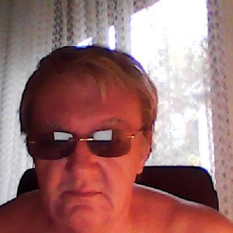 társkereső férfi telefonon)