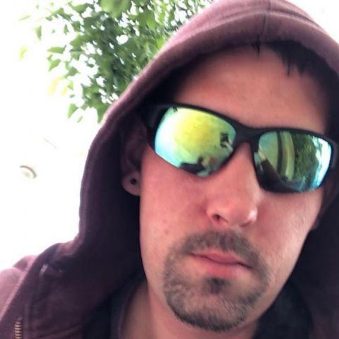 Farkas, 24 éves társkereső férfi - IV.