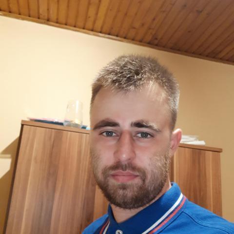 Norbi, 28 éves társkereső férfi - Pécs