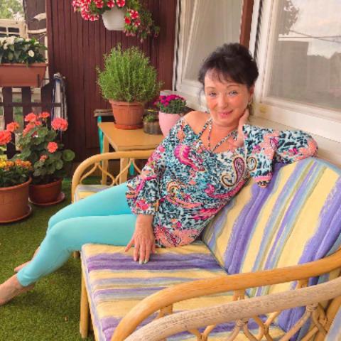 Piroska, 59 éves társkereső nő - Monor