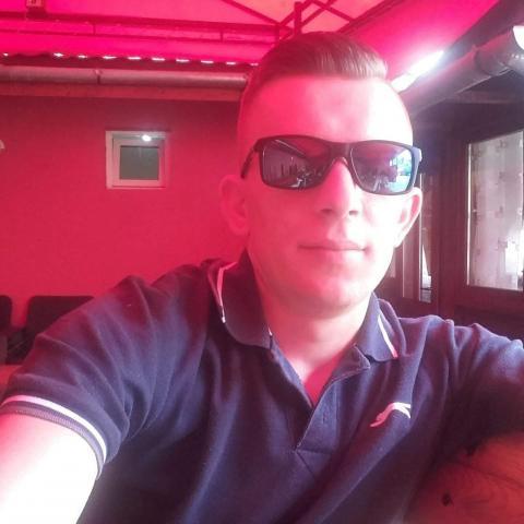 Jakab, 27 éves társkereső férfi - maros Vásárhelyi