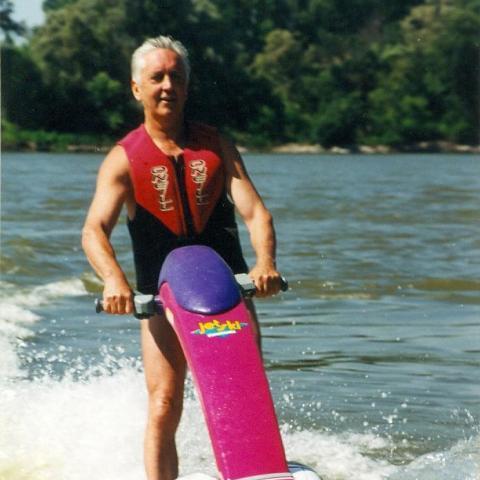 Géza, 72 éves társkereső férfi - Pécs