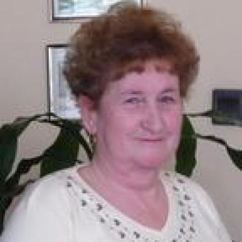 Izabella, 72 éves társkereső nő - Mátészalka