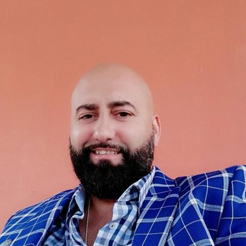 Dr. Laurentiu Sigmir, 50 éves társkereső férfi -