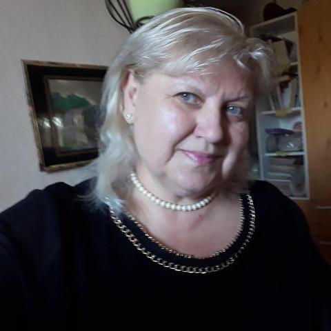 Tündi, 57 éves társkereső nő - Debrecen