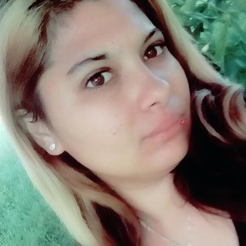 Diána, 22 éves társkereső nő - Tamási