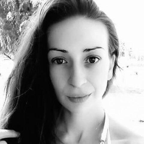 Adrienn, 27 éves társkereső nő - Budapest