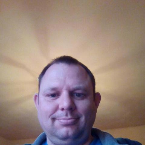 Gábor, 47 éves társkereső férfi - Kék