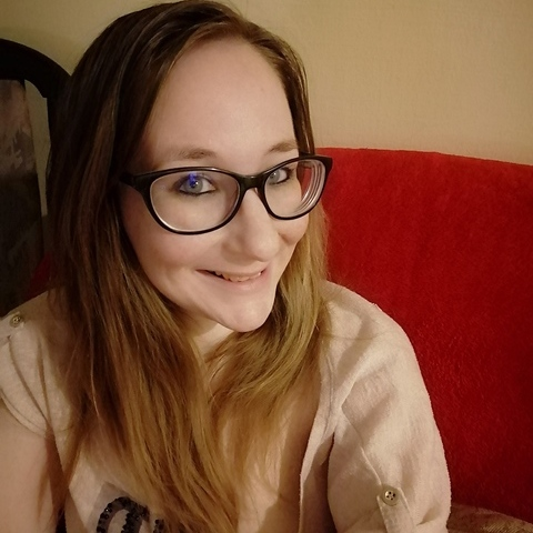 Dóri , 27 éves társkereső nő - Kecskemét