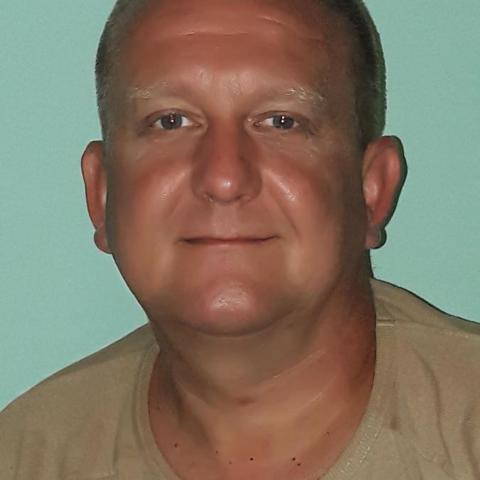 Tamás, 47 éves társkereső férfi - őrhalom