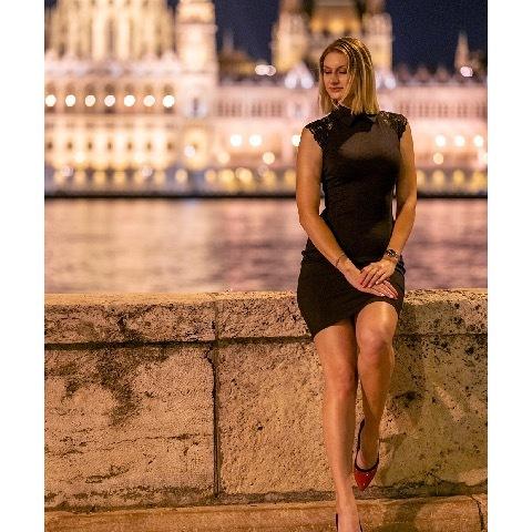 Mercedesz, 24 éves társkereső nő - Budapest