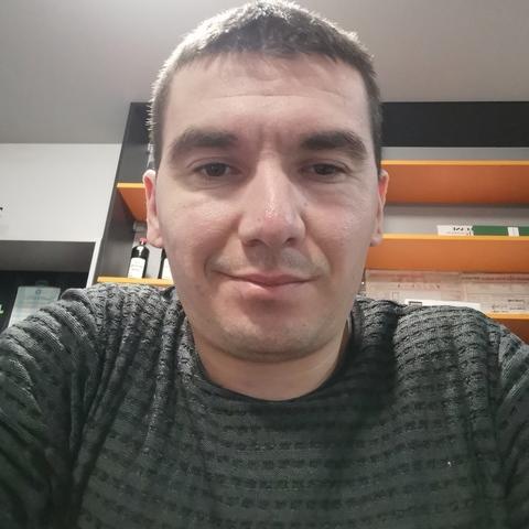 Levente, 31 éves társkereső férfi -