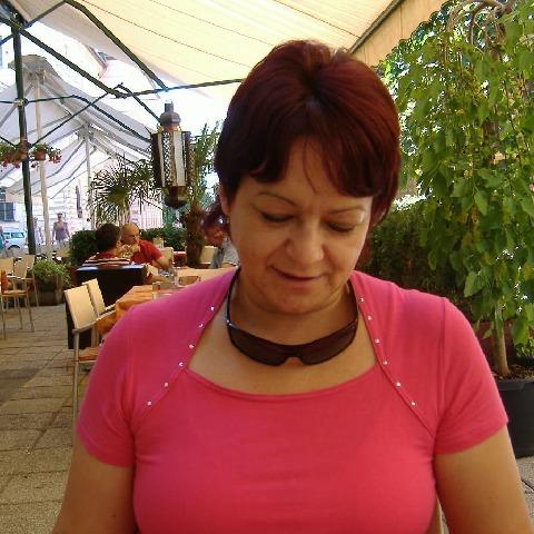 Éva, 67 éves társkereső nő - Szeged
