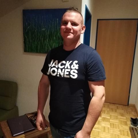 Róbert, 27 éves társkereső férfi - Monok