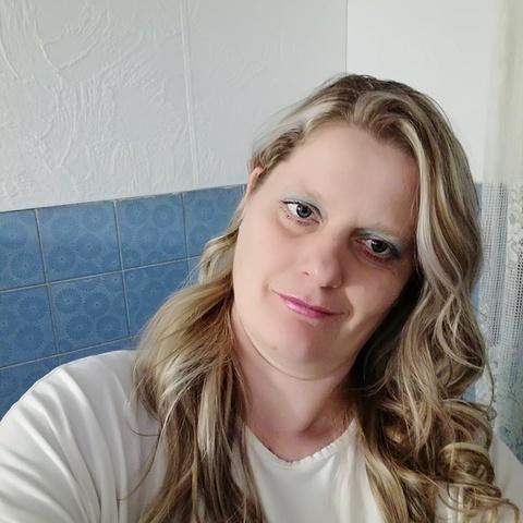 Edina, 44 éves társkereső nő - Üllés