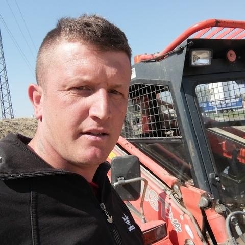 Gyuri, 31 éves társkereső férfi - Doboz