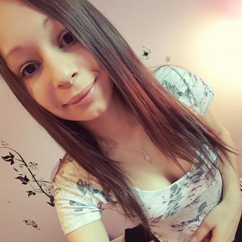 Viki, 20 éves társkereső nő - Egerfarmos