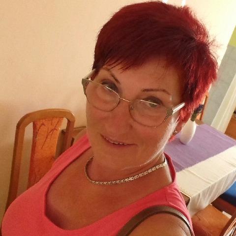 Zsóka, 62 éves társkereső nő - Mezőkeresztes