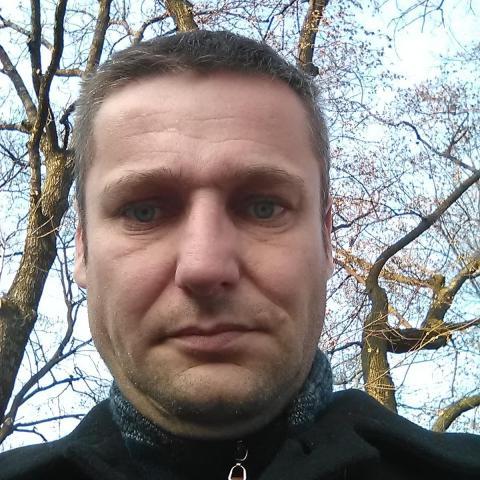 Róbert, 42 éves társkereső férfi - Gabcíkovo...... Bõs