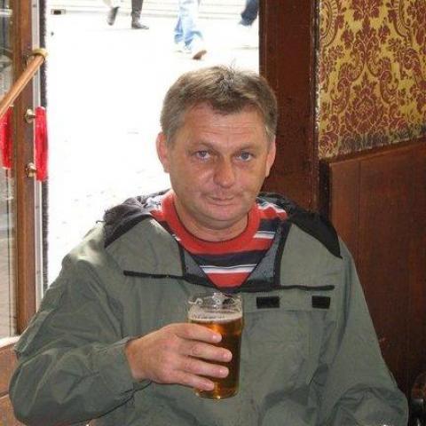 Béla, 60 éves társkereső férfi - Vác