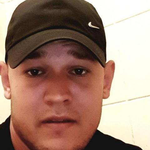 Béla, 22 éves társkereső férfi - Jászárokszállás