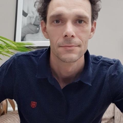 Balázs, 41 éves társkereső férfi -