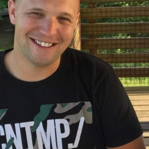 Attila, 29 éves társkereső férfi - Tard