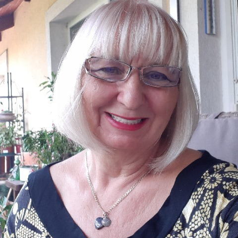 Anna, 61 éves társkereső nő - Biatorbágy