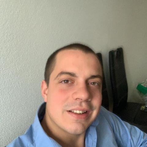 Ádám, 26 éves társkereső férfi - Bremgarten